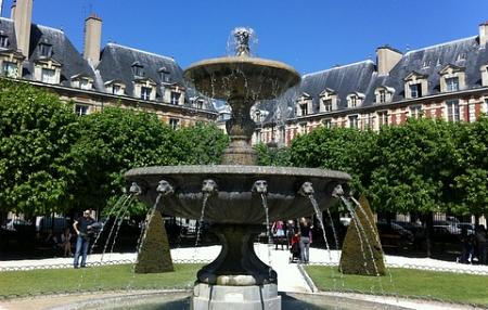 Place de Vosges Paris Property